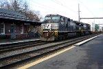 NS 9377, 9392 leading NS train 24K, CSX B100-18